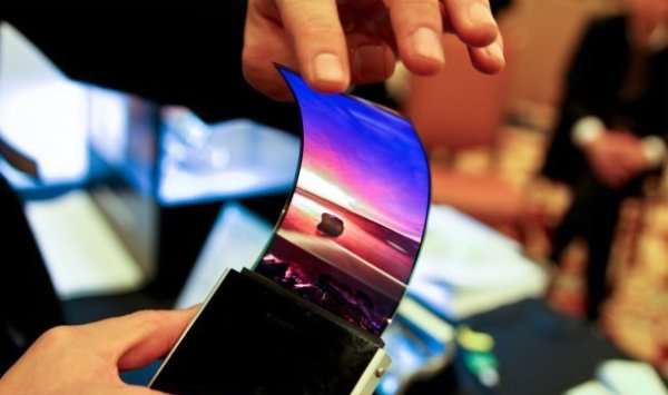 samsung-flexible-amoled-bendy-display-01