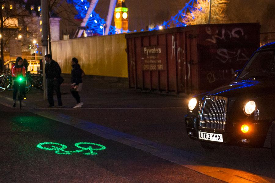 BLAZE, 밤길에 자전거 형상을 투사하는 자전거 라잇 출시