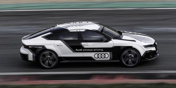 아우디, 시속 240km로 달리는 무인 자동차 시연