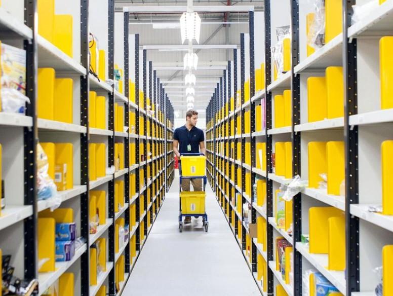 How algorithms run Amazon's warehouse